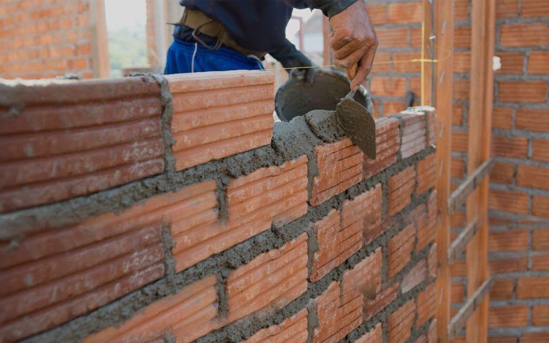 ¿Necesitas trabajadores formados en construcción?